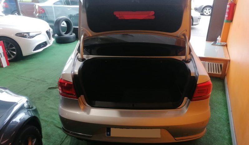 Volkswagen Passat 2.0 TDI Advance full